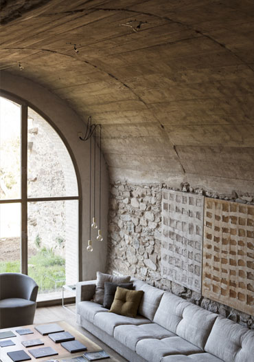 Graphenstone high decoration. Barcelona creative studio renovation.